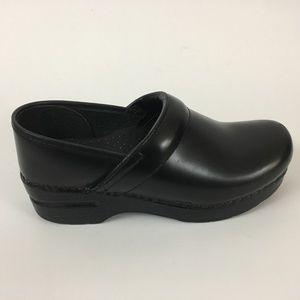 Dansko Women's Nursing Clogs Size 36 Leather Upper